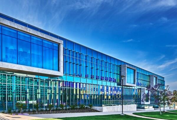 soka-university-curie-hall-exterior_0
